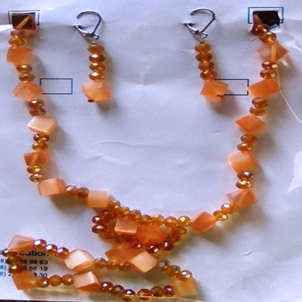 Colier,boucles d'oreilles,bracelet